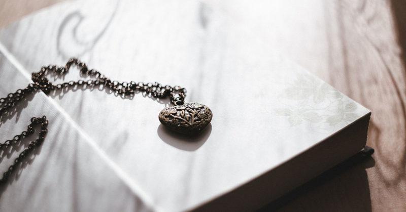 pet-cremation-jewelry